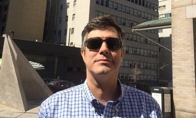 O médico e professor universitário Fábio Cuiabano teve o carro e pertences roubados no estacionamento do Hospital Universitário Clementino Fraga Filho, na Ilha do Fundão Foto: Reprodução / Facebook