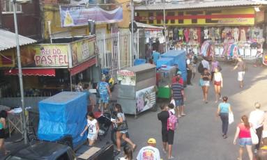 Comerciantes na Rocinha Foto: Giselle Ouchana / O Globo