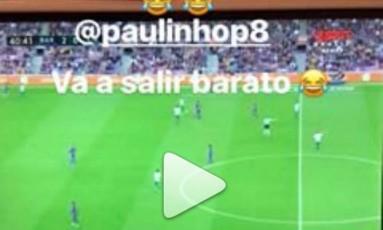 Daniel Alves comemora gol de Paulinho Foto: Reprodução