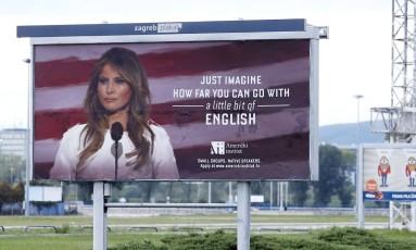 Um curso de inglês na Croácia utilizou uma imagem da primeira-dama dos Estados Unidos, Melania Trump, para ilustrar uma propaganda, o que não a agradou Foto: STRINGER / AFP