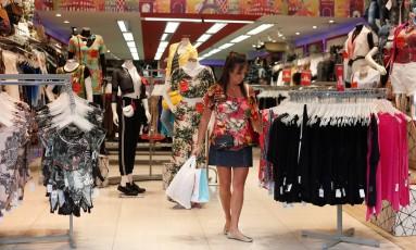 Comércio no bairro de Bom Retiro, em São Paulo. Foto Marcos Alves / Agência O Globo.