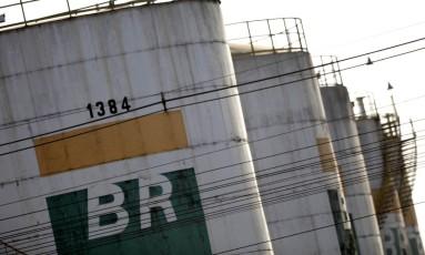 Tanques da Petrobras em Brasília. Foto: Ueslei Marcelino/Reuters