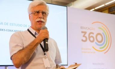 O educador José Pacheco na palestra Cidades Educadoras, parte do evento Educação 360 Foto: Andre Lima / Agência O Globo