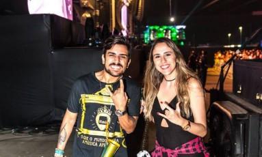 O professor Igor Aleixo e a advogada Bárbara Nascimento assistiram a show do Rock in Rio quase no palco Mundo Foto: Divulgação