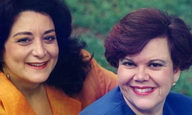 O duo de pianistas Lilian Barreto e Linda Bustani comemora 35 anos de sua estreia Foto: Divulgação