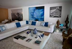 Quadros e objetos de luxo serão leiloados com a mansão Foto: Márcia Foletto/O GLOBO