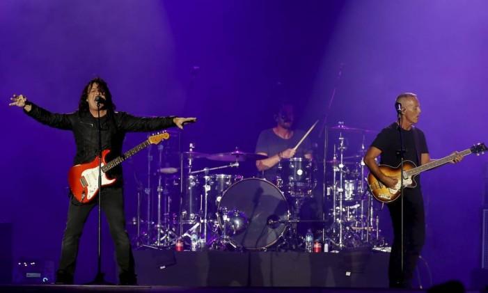 """A dupla inglesa surprendeu o público com uma versão de """"Creep"""", do Radiohead Foto: Pablo Jacob / Agência O Globo"""