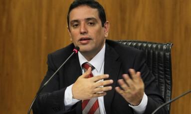 Integrante da consultoria de Orçamento da Câmara, Leonardo Rolim, diz que municípios não podem ser obrigados a financiar a dívida da União Foto: Aílton de Freitas / Aílton de Freitas
