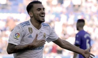 Daniel Ceballos comemora o segundo dos dois gols que marcou Foto: ANDER GILLENEA / AFP