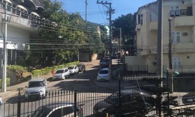 Viatura na Estrada Velha na Tijuca Foto: Foto de leitor
