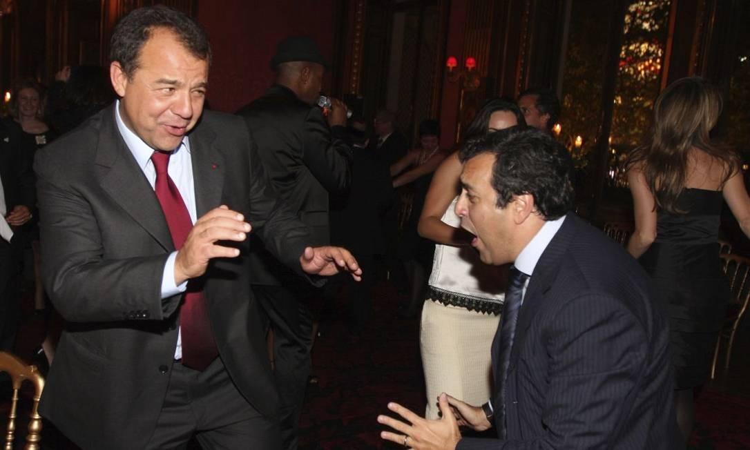 Em um restaurante de Paris, Georges Sadala, preso em desdobramento da Lava-Jato no Rio, dança com Sérgio Cabral Foto: Agência O Globo