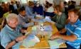 Contagem de votos em Zurique Foto: ARND WIEGMANN / REUTERS