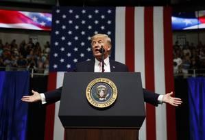 Presidente Donald Trump fala em comício no Alabama, EUA Foto: Evan Vucci / AP