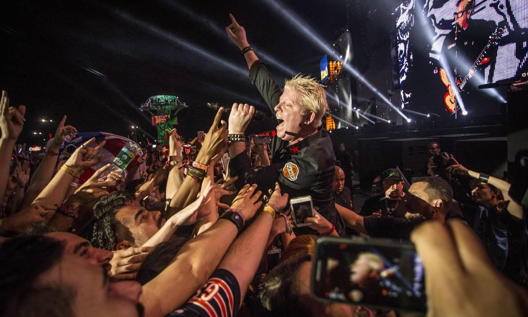 A banda The Offspring se apresenta no Palco Mundo, no último dia do Rock in Rio Foto: Guito Moreto / Agência O Globo
