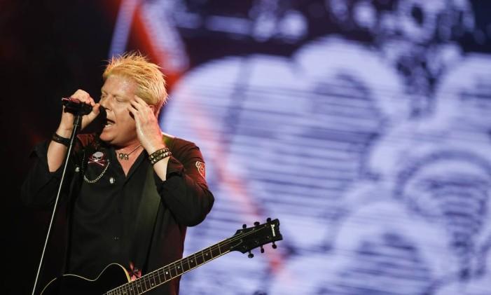 The Offspring se apresenta no Palco Mundo, na última noite do festival Foto: Bárbara Lopes / Agência O Globo