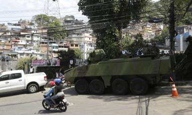 A vista de parte da Rocinha, onde as Forças de Segurança fazem operação Foto: Gabriel Paiva / Agência O Globo