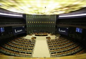 Plenário vazio da Câmara dos Deputados no dia 25/09/2017, véspera da leitura da segunda denúncia do presidente Temer Foto: Ailton de Freitas / Agência O Globo