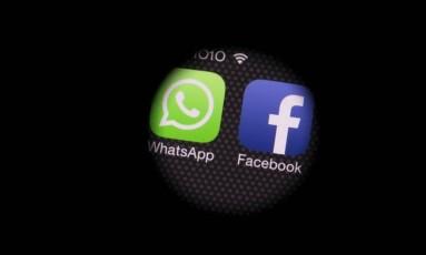 Os aplicativos WhatsApp e Facebook sofrem reveses na China e na Rússia, respectivamente Foto: Agência O Globo