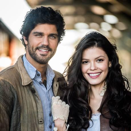 Inácio Ramos (Bruno Cabrerizo) e Maria Vitória (Vitória Strada) Foto: Divulgação/TV Globo