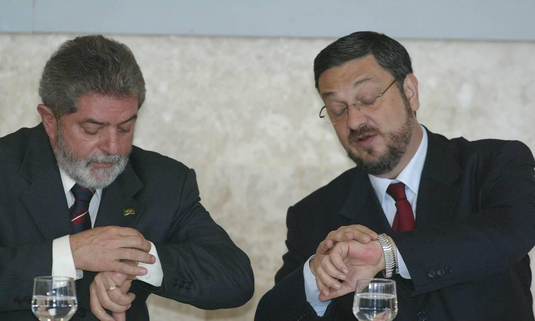 Lula e Palocci durante reunião do Conselho de Desenvolvimento Econômico e Social, em2004 Foto: Roberto Stuckert Filho / 13-5-04