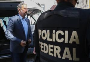 Prisão de Antonio Palocci na 35ª fase da Lava-Jato: denúncias de corrupção levaram ao rompimento entre o ex-ministro e Lula Foto: Geraldo Bubniak / Agência O Globo / 26-9-16