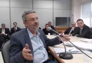 O ex-ministro Antonio Palocci durante depoimento à Justiça Federal Foto: Reprodução