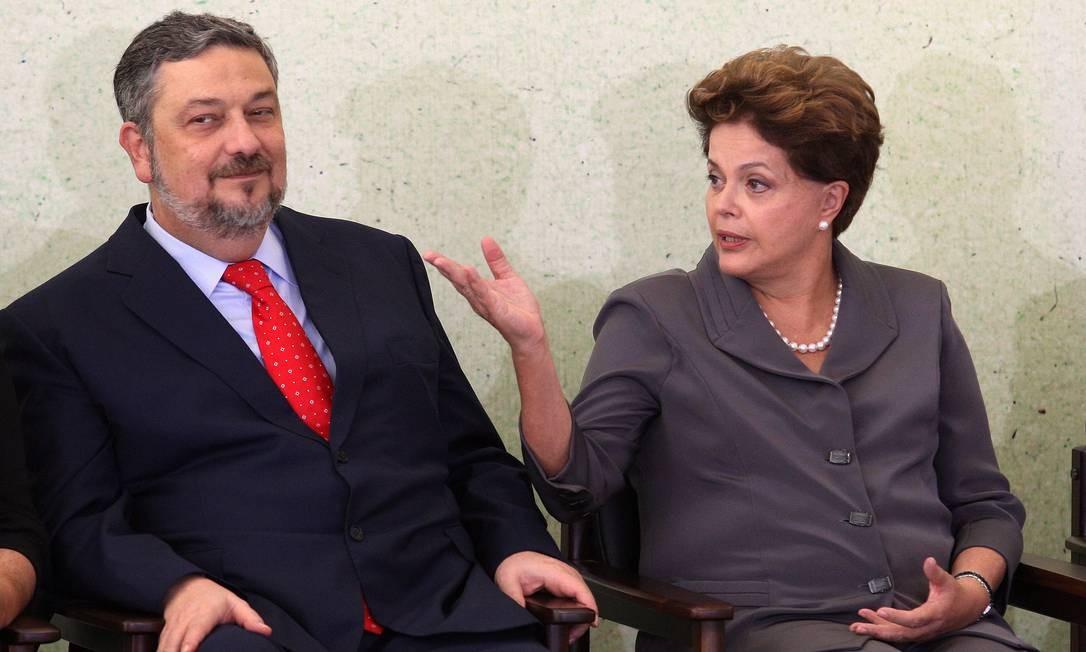 Palocci volta ao ministério na gestão de Dilma Rousseff com anuência de Lula: chefe da Casa Civil Foto: Gustavo Miranda / 7-6-11