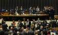Plenário da Câmara durante votação da reforma política Foto: Ailton de Freitas / Agência O Globo / 27-9-17