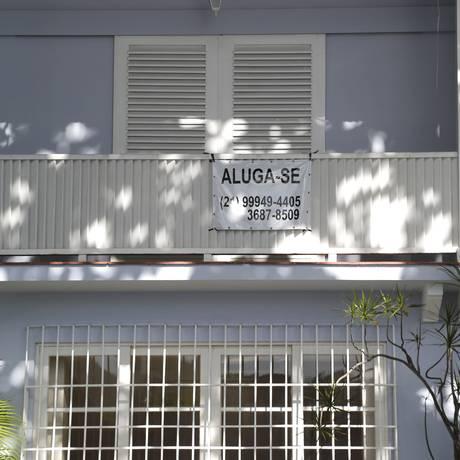Casa com placa de aluga-se na Zona Sul do Rio de Janeiro Foto: Fábio Rossi/30-3-2017