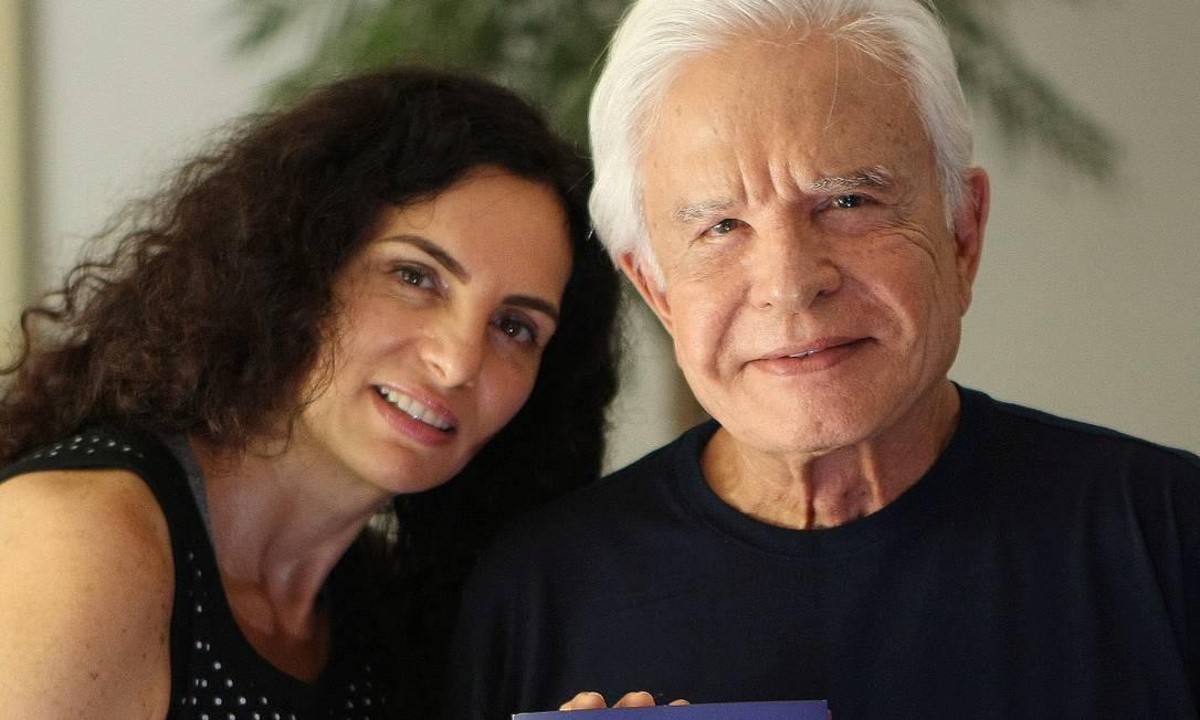 Cid Moreira e sua mulher, Fátima Foto: Cléber Júnior / Extra