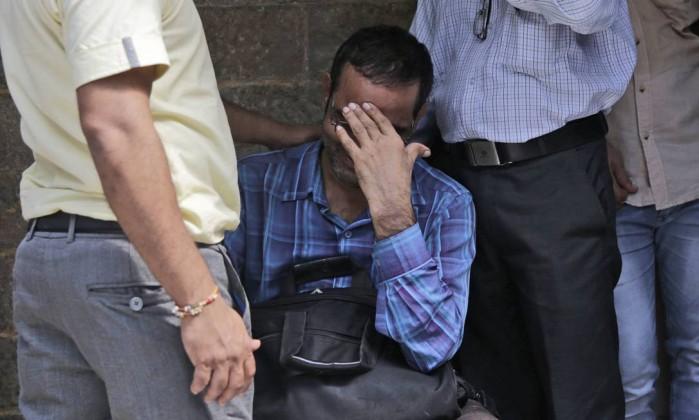 Vinte e dois mortos num tumulto em Mumbai — Índia