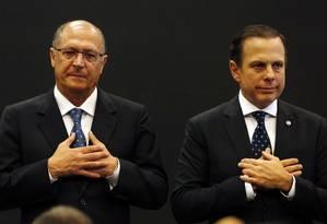 O governador Geraldo Alckmin e o prefeito João Doria travam uma disputa pela vaga tucana à Presidência (17/08/2017) Foto: Edilson Dantas / Agência O Globo