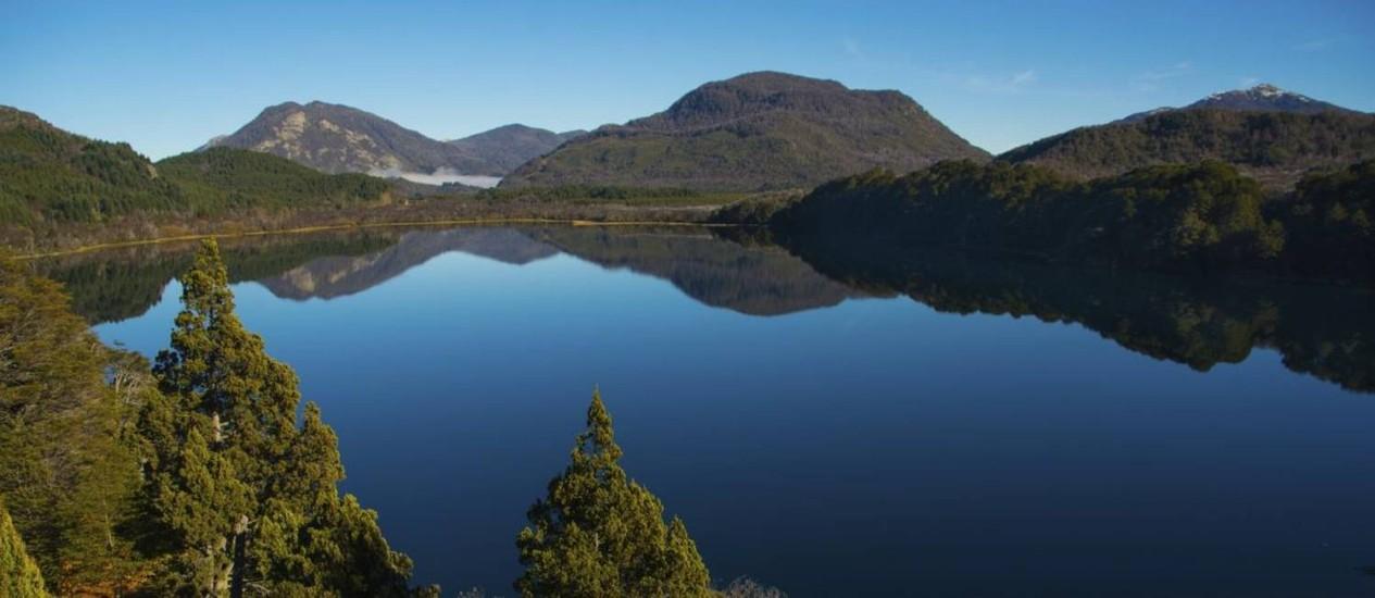 Lago Machonico, parte do Caminho dos Sete Lagos, entre San Martín de los Andes e Villa la Angostura, na Patagônia argentina Foto: Divulgação / Intprotur