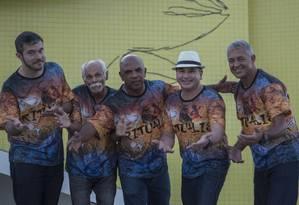 Atração: parceria responsável pelos sambas da Acadêmicos do Sossego tem produzido novidades para o carnaval carioca Foto: Analice Paron / Agência O Globo