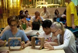 Semana Design Rio. Oficina maker para crianças Foto: Adriana Lorete / Agência O Globo
