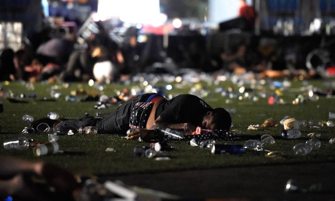 O atirador chamava-se Steven Paddock, e tinha 64 anos. Morador local, foi morto pela polícia de Las Vegas Foto: David Becker / AFP