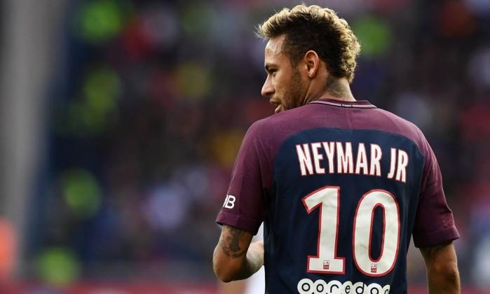 Jornal neymar pediu expulso do bara da champions uefa negou neymar e bara travam disputas judiciais franck fife afp stopboris Image collections