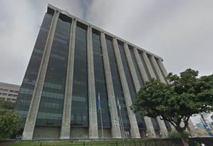 Sede da Prefeitura: governo municipal ainda não decidiu como e quando seus quase 170 mil servidores receberão pagamentos como o 13º Foto: Reprodução
