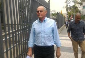 O ex-secretário de Segurança do Rio José Mariano Beltrame chega para depor como testemunha de Cabral Foto: Miguel Caballero / Agência O Globo