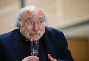 Duncan Haldane venceu o Nobel de Física de 2016 Foto: EDUARDO MUNOZ ALVAREZ / AFP