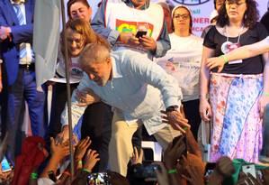 Lula participou da abertura do 8º Encontro Nacional do Movimento dos Atingidos por Barragens, no Rio Foto: Paulo Nicolella / Agência O Globo