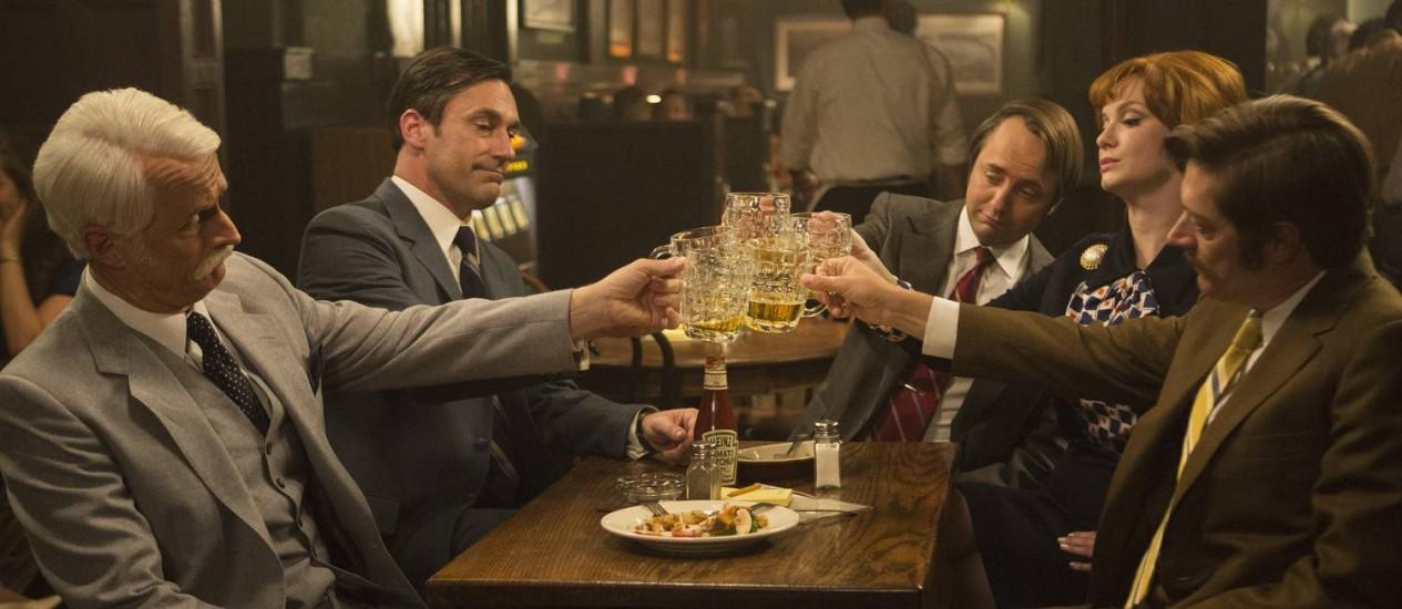 """Cena da última temporada de """"Mad men"""": série inspirará restaurante de centro de diversões em Nova York Foto: Justina Mintz / AMC via AP/Arquivo"""