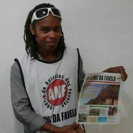 Bruno Alves era estudante de história na UERJ e distribuiva jornais da Voz da Favela Foto: Reprodução