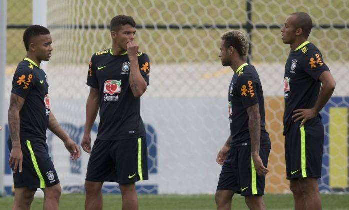 Mesmo cortado, Thiago Silva tem pedido atendido e segue integrado à Seleção