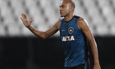 Roger, atacante do Botafogo, em foto de arquivo Foto: Vitor Silva/SSPress/Botafogo