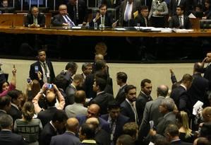 A Câmara deixou a decisão final sobre financiamento de campanha para esta quarta-feira Foto: Givaldo Barbosa / Agência O Globo