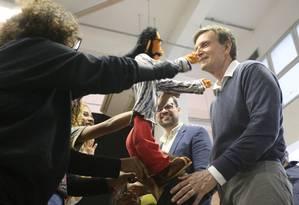O prefeito Marcelo Crivella reabre a Biblioteca Parque da Rocinha Foto: Fabiano Rocha / Agência O Globo