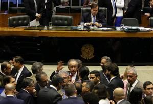 O presidente da Câmara, Rodrigo Maia, em plenário durante discussão da reforma política Foto: Givaldo Barbosa / Agência O Globo