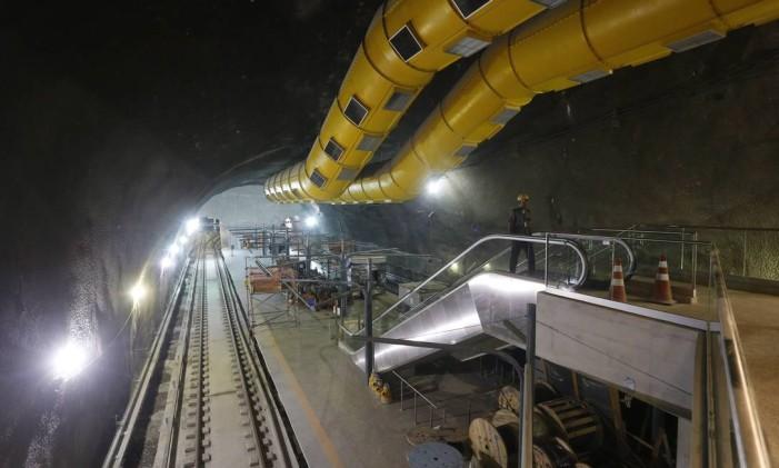 Obras na estação São Conrado da linha 4 do Metrô Rio Foto: Domingos Peixoto / Agência O Globo