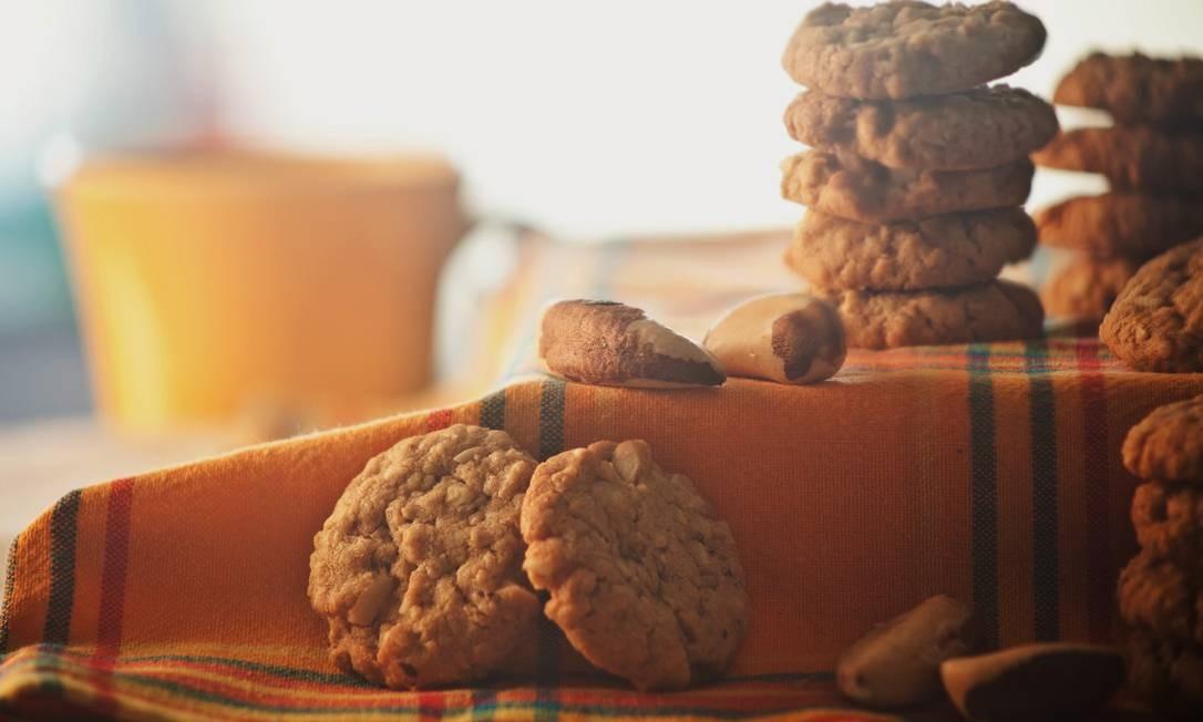 Biscoiteca. Cookie de castanha-do-pará com aveia, coco e toque cítrico da laranja custa R$ 5,50 (50g) Foto: Roberto Ulhoa / Divulgação